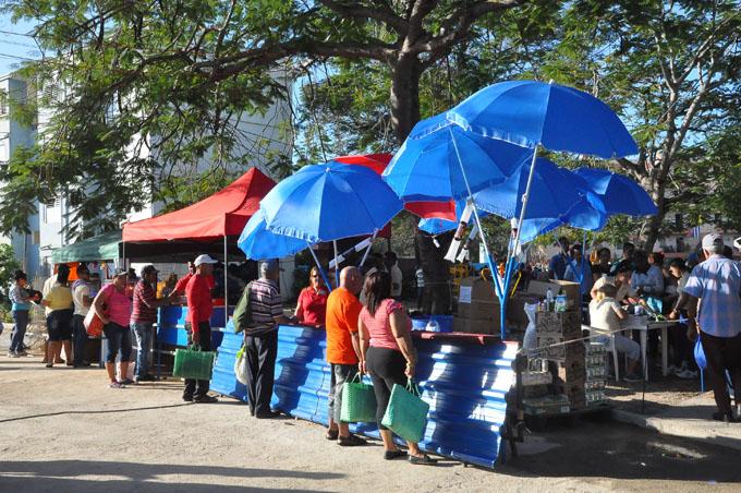 Comienzan Ferias integrales del barrio en Granma