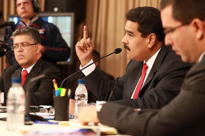 Avanza diálogo político en Venezuela entre presiones de la derecha