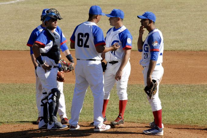 Llega hoy a Cuba equipo Alazanes de Granma