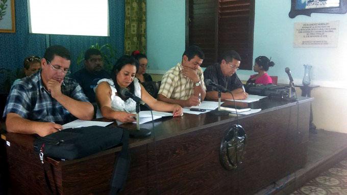 Debaten campesinos manzanilleros resultados de 2016