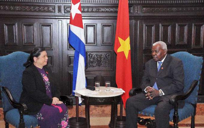 Recibe Esteban Lazo a Tong Thi Phong, vicepresidenta del Comité Permanente de la Asamblea Nacional de Vietnam