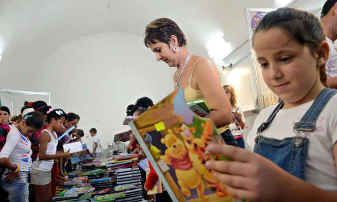 Feria Internacional del Libro exige cese del bloqueo contra Cuba