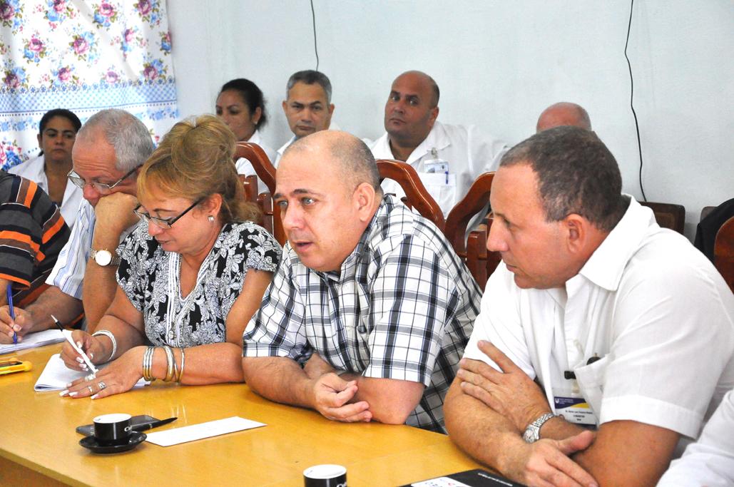 Visita Bayamo Ministro de Salud Pública