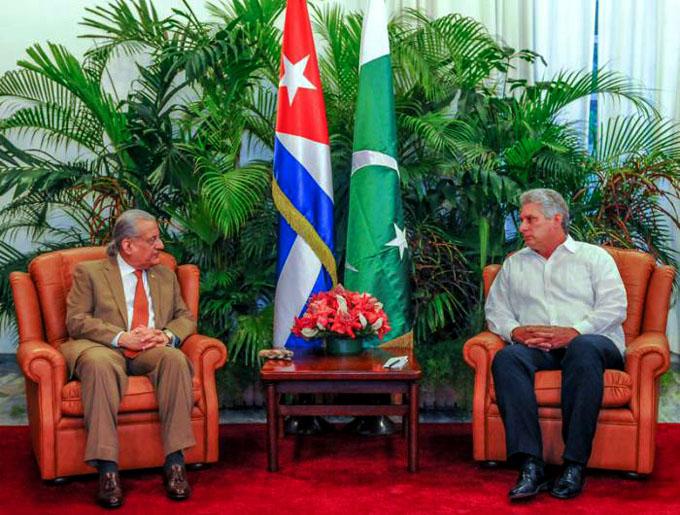 Díaz-Canel recibe en La Habana a presidente del Senado pakistaní