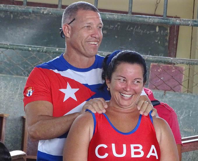 Ramón, junto a la manzanillera Maiyor González, quien fijó el récord nacional en 72 kilos / Foto Luis Carlos Palacios Leyva