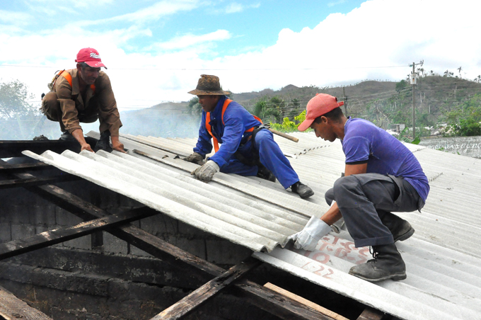 Eficiencia y calidad de las obras en la mira de los constructores de Granma