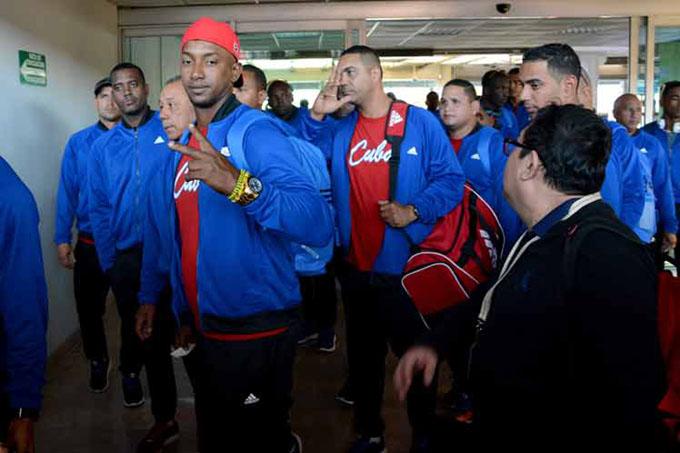 Mexicanos aplauden actuación de peloteros cubanos