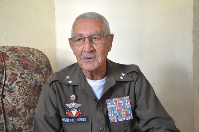 Ramiro trabajó más de 50 años en la Policía. FOTO/ Rafael Martínez