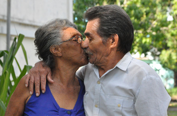 El amor acercó a Emilio y Caridad.Foto Rafael Martínez Arias.