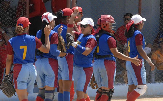 Las softbolistas granmenses quieren revalidar la corona / Foto Luis Carlos Palacios Leyva
