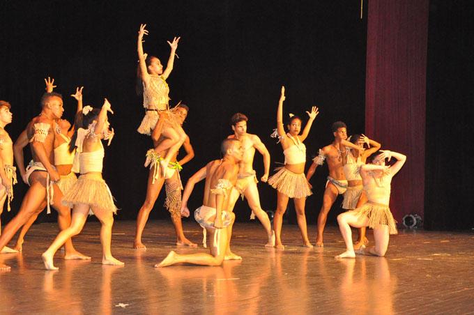 Premian en Bayamo a ganadores del Concurso nacional de danza y composición coreográfica