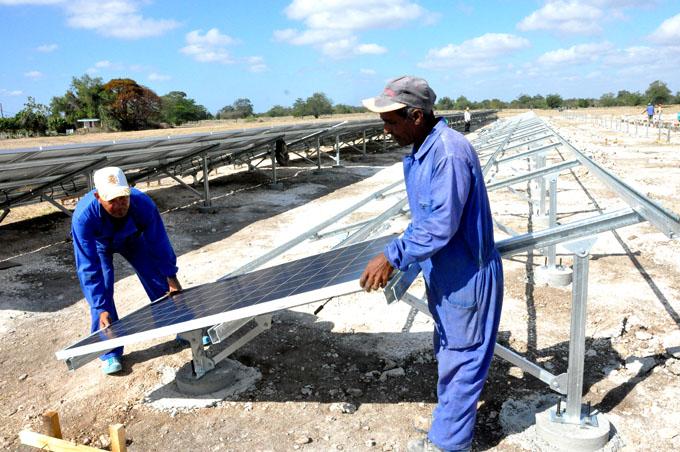 Examinarán en Cuba futuro de la energía renovable
