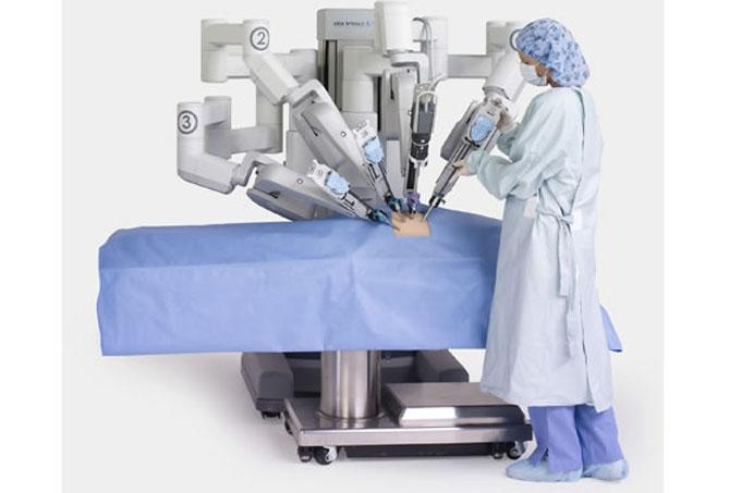 Aplica Vietnam robótica para cirugías neurológicas y de articulación