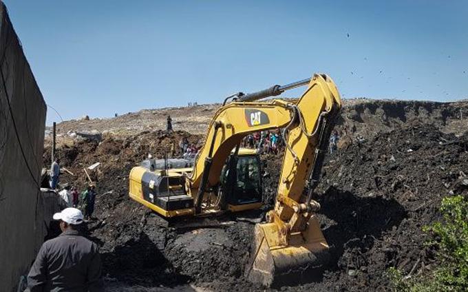 Ascienden a 50 los muertos por avalancha en basurero de Etiopía