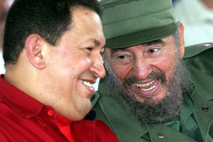 El día que Chávez quiso lanzar a Fidel al agua