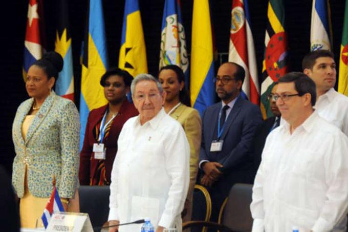 Asiste presidente cubano a Consejo de Ministros de la AEC