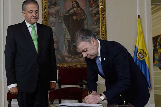 Vicepresidente colombiano asume tareas de paz y seguridad