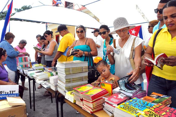 Concluyó Feria del libro en Granma ( + fotos y video)