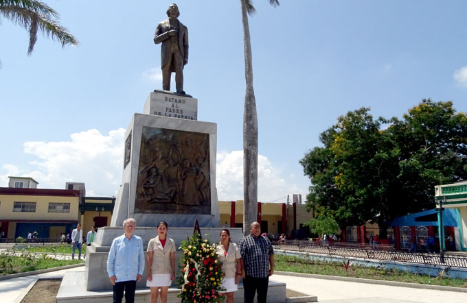 Rindió Frei Betto tributo a próceres bayameses (+ fotos)