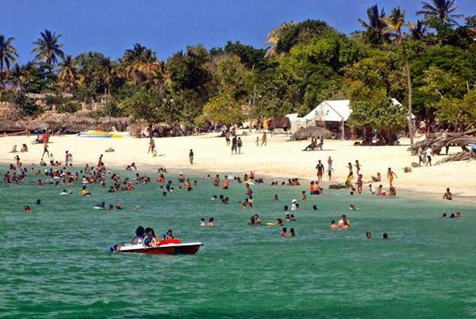 Cuba de fiesta turística en mayo