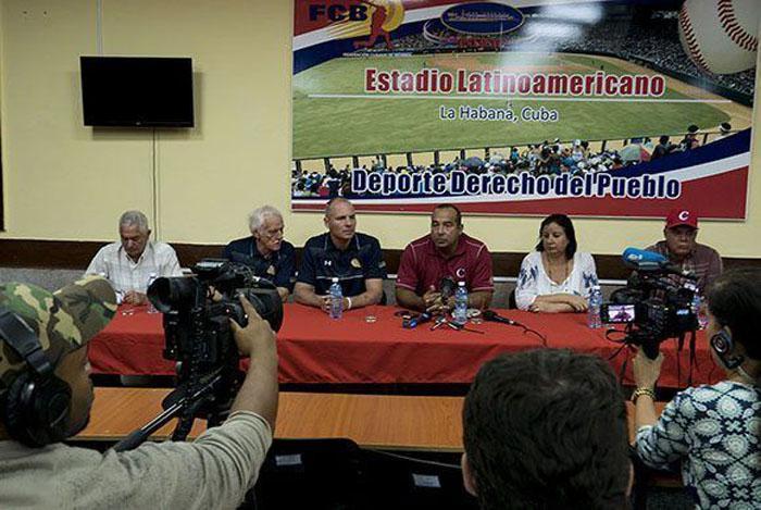Seis jugadores cubanos a equipos de Liga Can Am