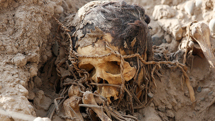 Revelan la causa de muerte de la milenaria momia con zapatillas Adidas (FOTO y VIDEO)