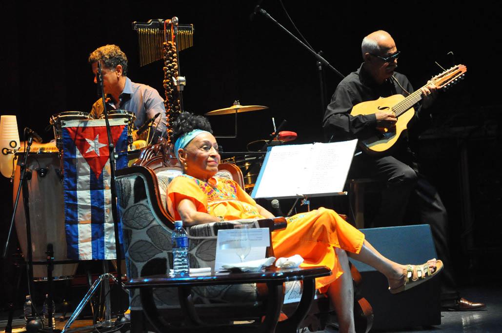 Concierto de lujo de Omara Portuondo en Bayamo (+ fotos)