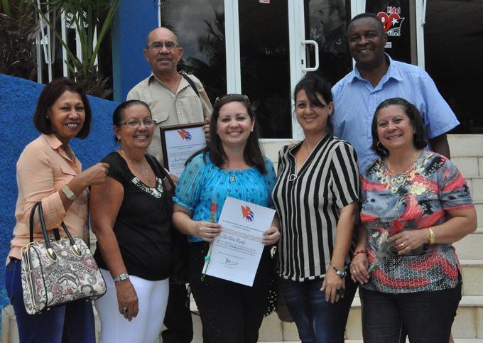 Reconocen a profesionales de la prensa en Granma por años de labor en instituciones del Partido Comunista de Cuba