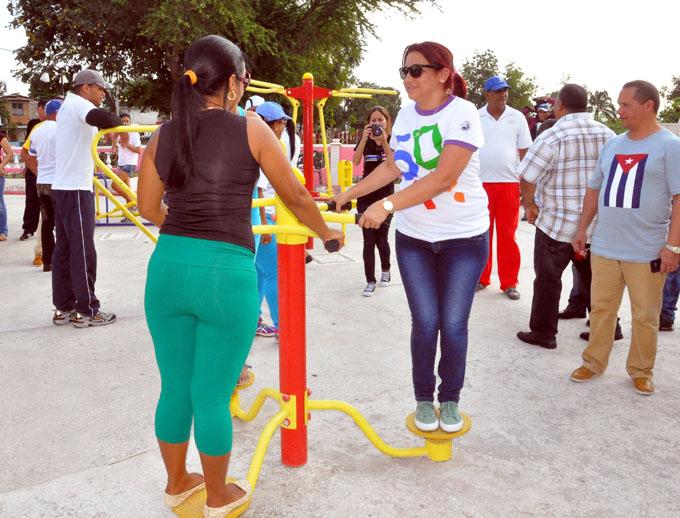 Dirigente juvenil visita Bayamo en vísperas del 4 de abril