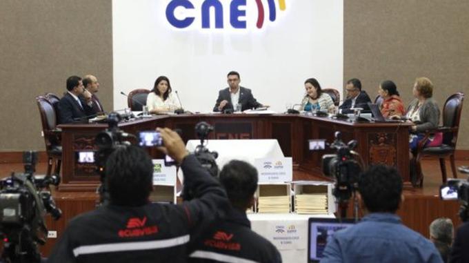 Recontarán tres mil 865 actas de segunda ronda electoral ecuatoriana