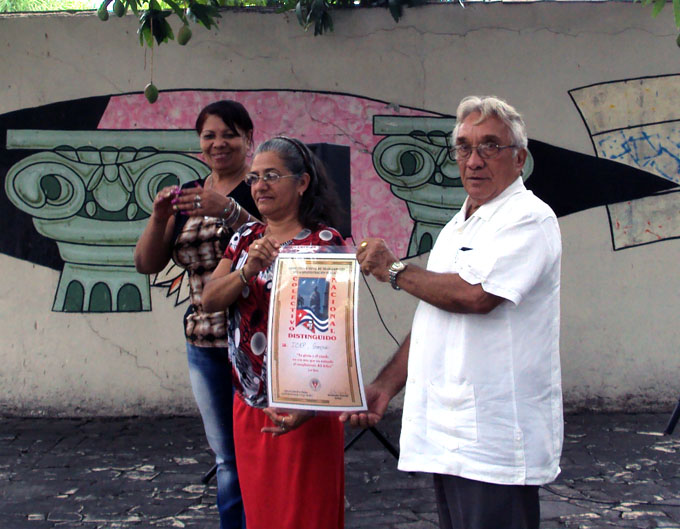 Entregan Condición de Colectivo Distinguido Nacional al Icap en Granma