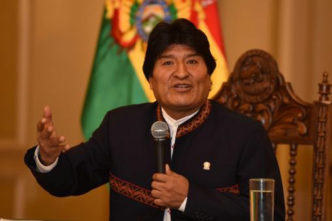 Bolivia perdió 10 mil millones de dólares por neoliberalismo, estimó Evo