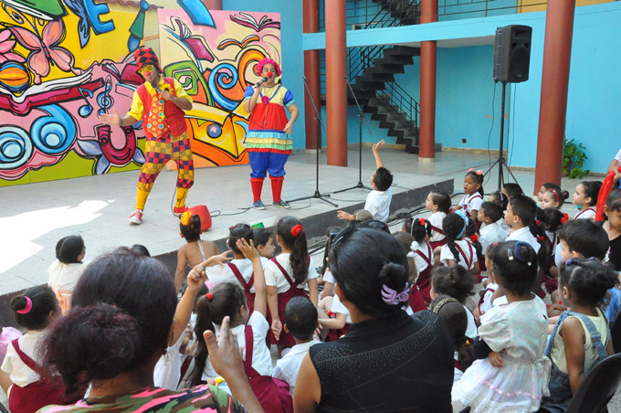 Diversas opciones para los niños en la Feria Internacional del Libro (+ fotos y video)