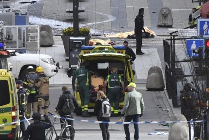 Califican de terrorismo ataque masivo en Suecia