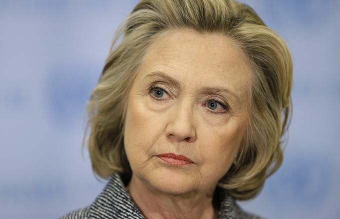 Hillary Clinton califica de cruel plan presupuestario de Trump