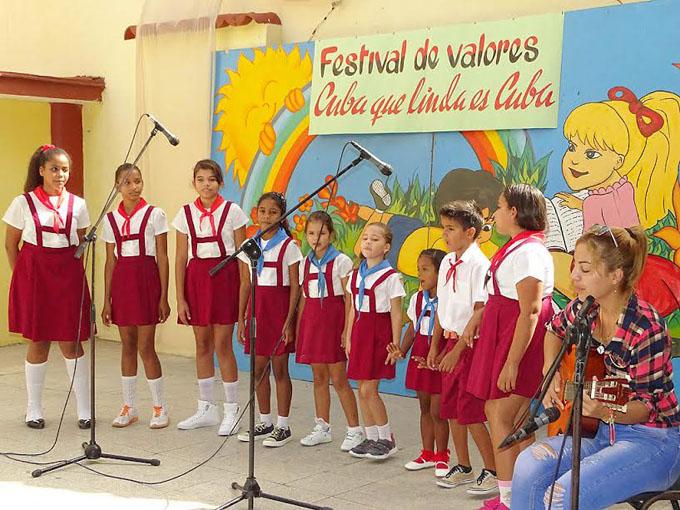 Sesiona festival infantil de música Cuba que linda es Cuba