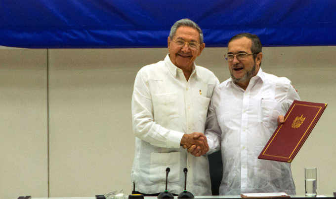 Recibió Raúl a delegación de las FARC-EP