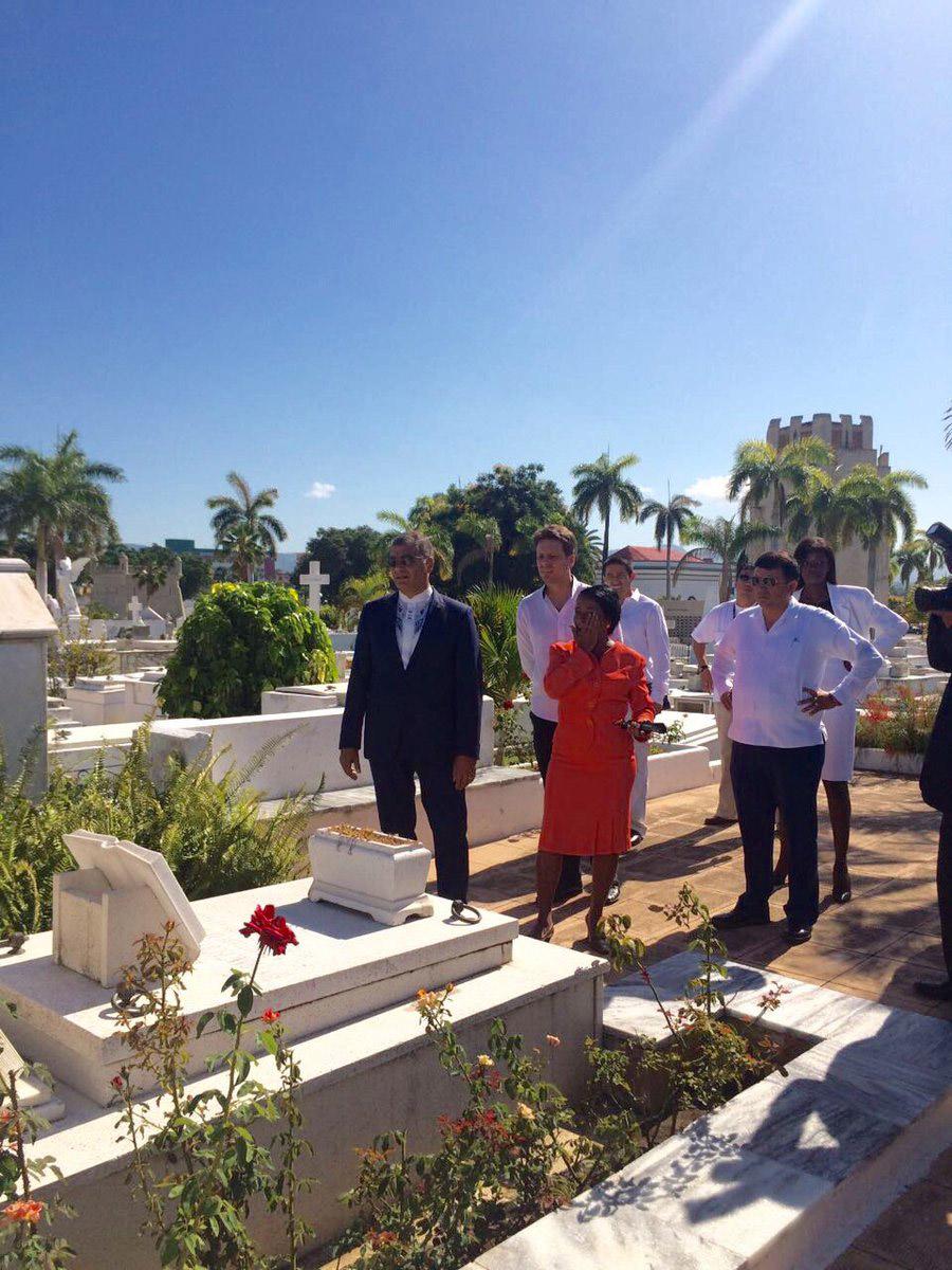 Correa rindió homenaje hoy a Martí y a Fidel (+ fotos)