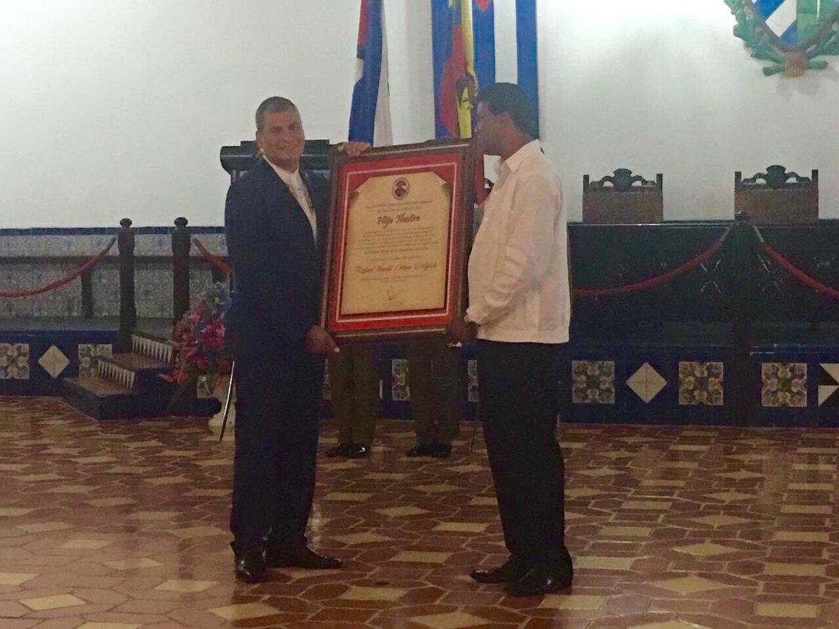 Recibe Rafael Correa condición de Hijo Ilustre de Santiago de Cuba (+ fotos)