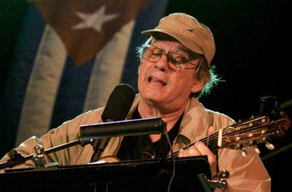 Trovador cubano Silvio Rodríguez continúa gira por los barrios