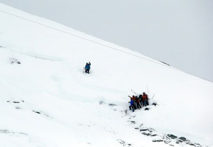 Al menos tres muertos deja avalancha en los Alpes fraceses