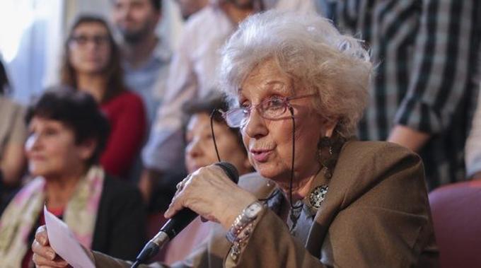 Estela de Carlotto compara a Macri con el dictador Videla