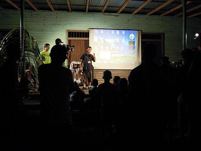 Festival itinerante de cine comunitario llega a Niquero