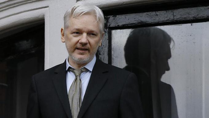 """Assange, sobre los 7 años retenido: """"Ni perdono ni olvido"""""""