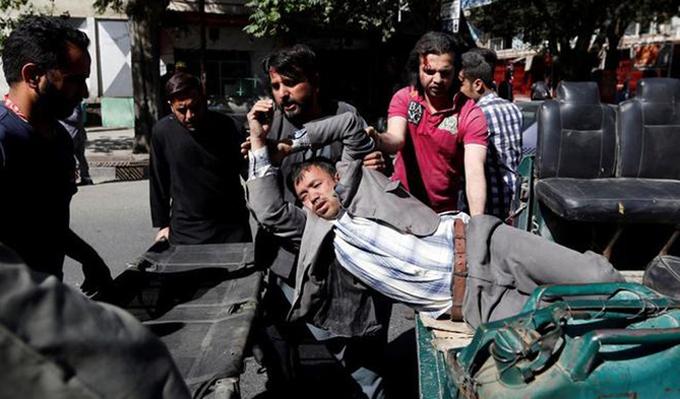 Atentado en Kabul causa 80 muertos y más de 300 heridos (+fotos)