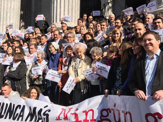 Argentinos marchan hoy contra reciente fallo de Corte Suprema (+ Fotos)