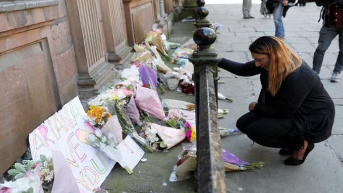 Identifican primeras víctimas de atentado terrorista en Manchester (+ fotos)
