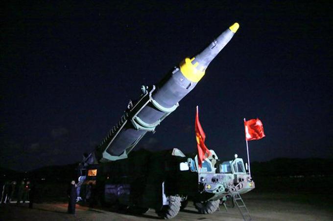 Publican imágenes del lanzamiento de misil balístico intercontinental norcoreano