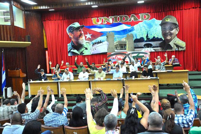Celebrado Pleno del Comité del Partido en Granma