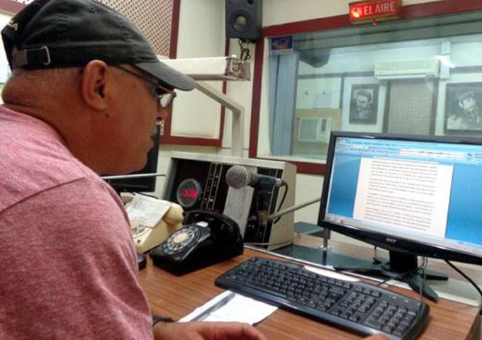 Dedican a Martí y Fidel festival de la radio manzanillera